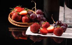 Виноград и клубника обои
